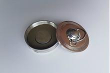 Apaļais zīmogs metāla korpusā R-40 (gatavs lietošanai ar pogu).